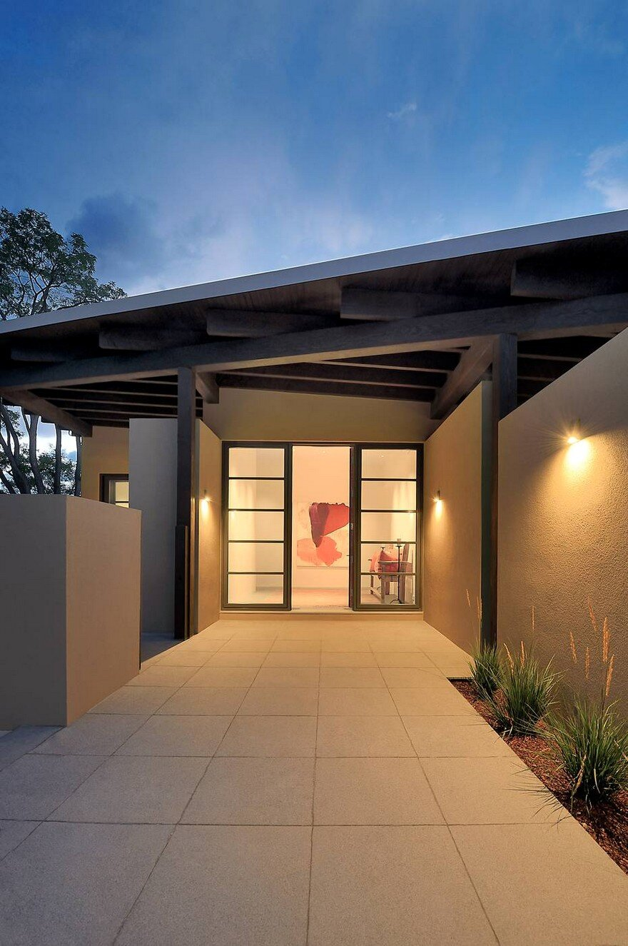 Santa Fe Contemporary Home Designed To Showcase An Art