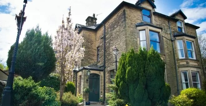 Compton Guest House Buxton1