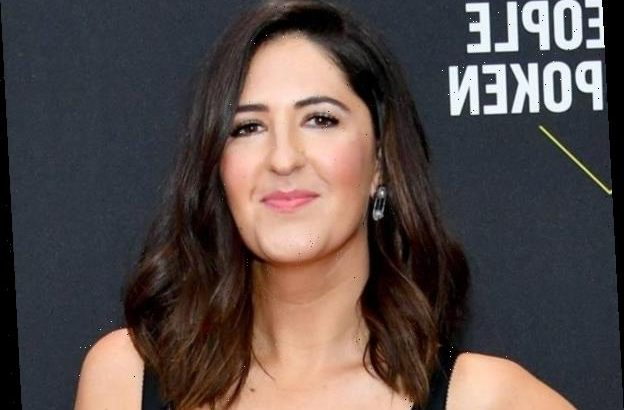D'Arcy Carden Is So Excited to Meet Jennifer Aniston At the People's Choice Awards - Hot World ...