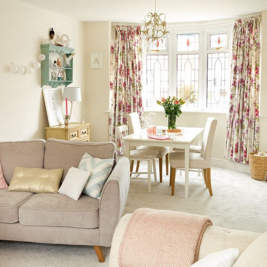 Modern living room with mismatched shabby chic touches ...