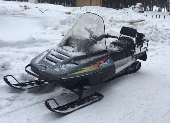 SnowMobile Lynx 440.