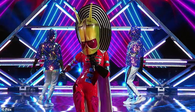 The Masked Singer: La Toya Jackson takes off Alien mask ...