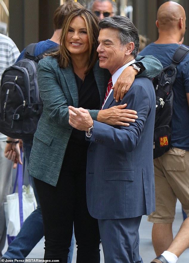 Mariska Hargitay hugs Law & Order: SVU castmate Peter ...