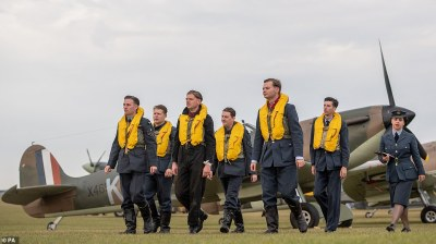Nine Spitfires fly over stunned spectators in perfect ...