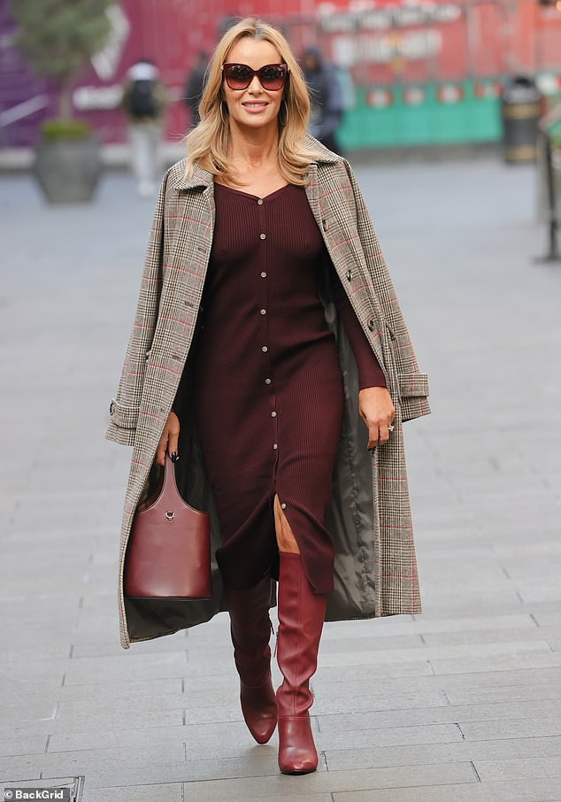 Watch Amanda Holden appears to be like usually stylish as she departs from Coronary heart FM – Movie star gossip