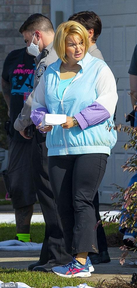 Watch EXCLUSIVE: Renee Zellweger wears 'fats swimsuit' to play assassin Pam Hupp – Celeb gossip