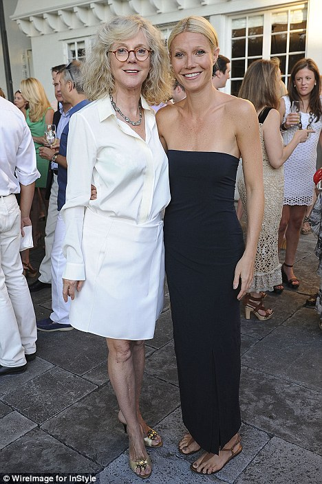 Gwyneth Paltrow steps out with her youthful mother Blythe ...