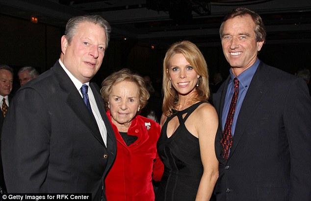 Bobby Kennedy Jr to wed Cheryl Hines tomorrow at Kennedy ...