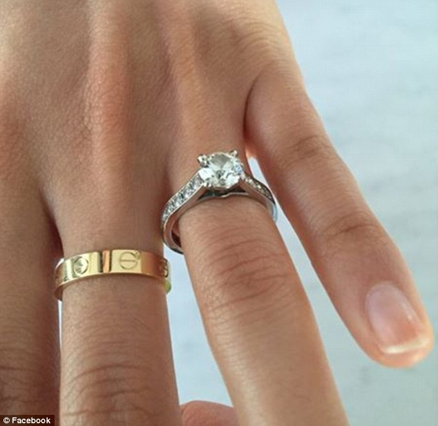 Man sells  33 000 Cartier engagement ring after catching his fianc    e     A man is trying to sell a  33 000 Cartier engagement ring  pictured  online  after