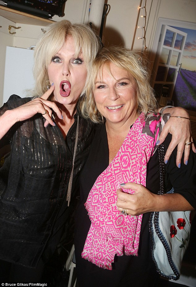 Joanna Lumley and Jennifer Saunders pull faces backstage ...