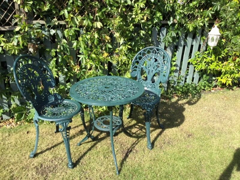 Cast Iron Bistro Patio Set With 2 Chairs