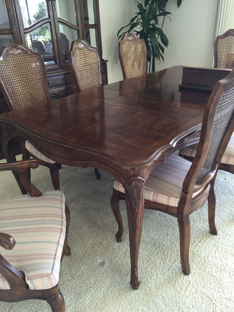 White Dining Table And 4 Chairs