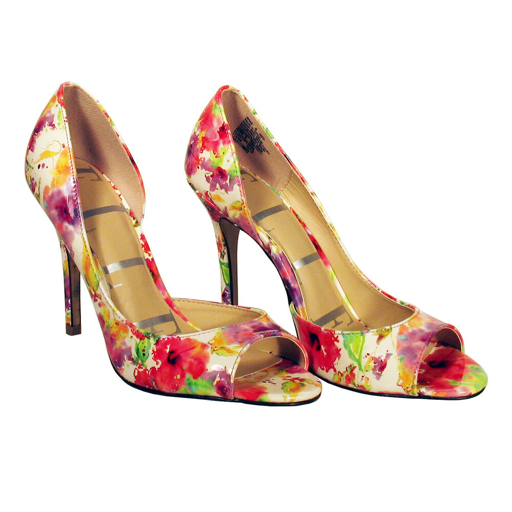 Campbell Jeffrey Booties Floral Red