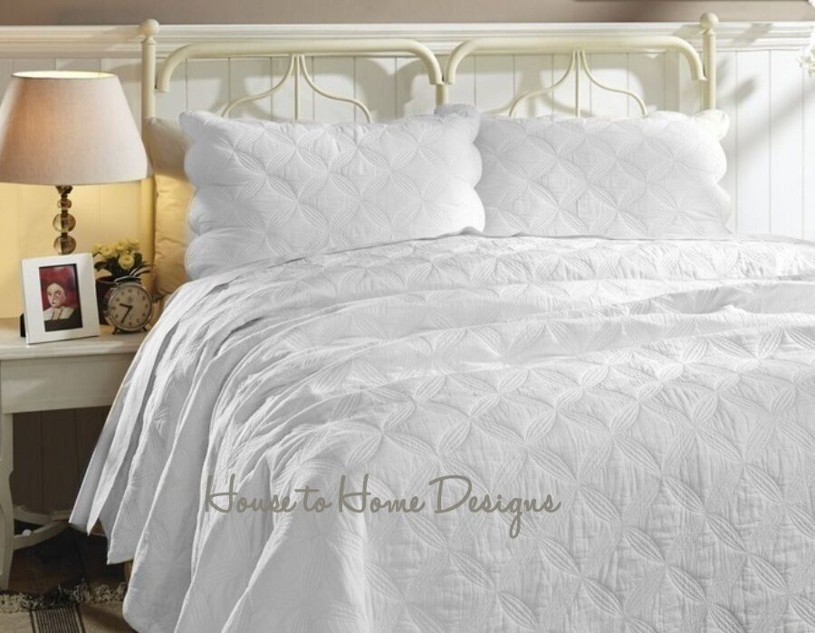 Cathedral Window Full Queen Quilt Set Matelasse White