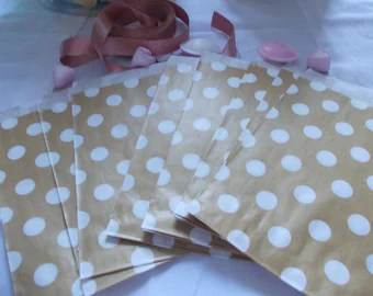 Wedding cake bags   Etsy 10 gold spotted favour bags candy buffet bags wedding cake bags  sweet  buffet