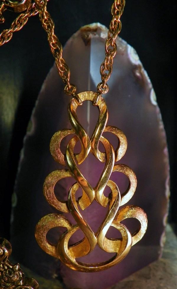 designer pendant necklace # 70
