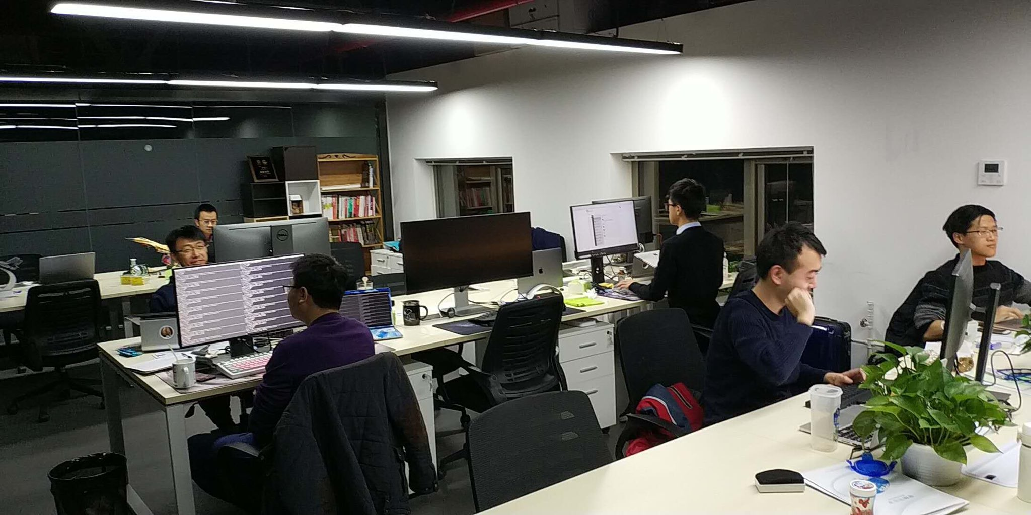 Elastos developers are still working at 2 am Beijing time   Elastos Elastos developers are still working at 2 am Beijing time