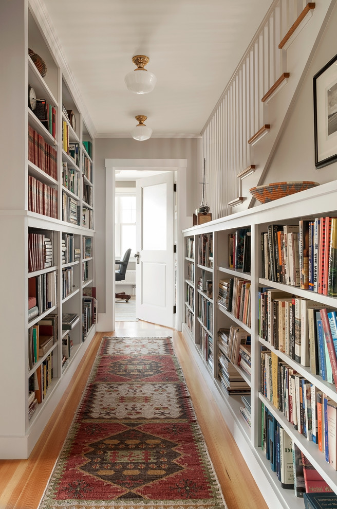55 Cool Hallway Decor Ideas   Shelterness both walls in a long hallway could be used as a home library