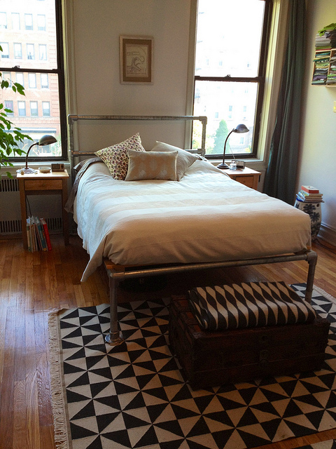 8 Diy Industrial Beds To Make Yourself Shelterness