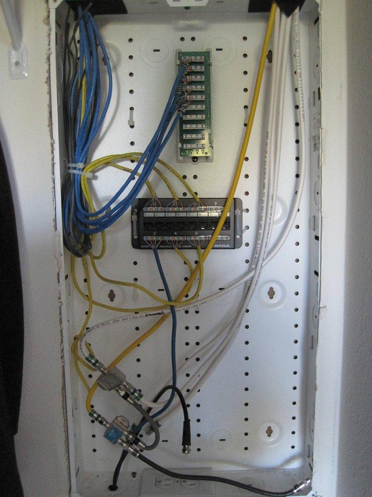 Active Cable Modem Splitter
