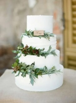 20 Purely Beautiful Wedding Cakes With Greenery   Weddingomania Purely Beautiful Wedding Cakes With Greenery