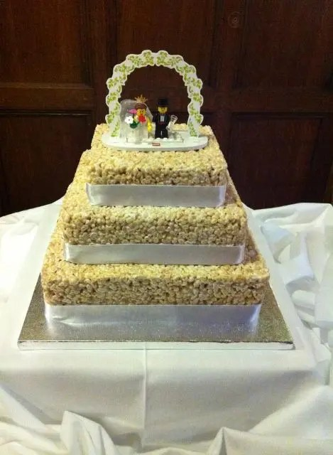 25 Tasty And Easy To Make Rice Krispie Wedding Cakes