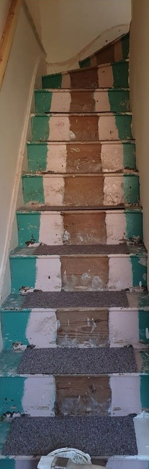 Woman Gives Her Dingy Staircase A Stunning Makeover Using B M   Cost To Carpet Stairs   Stair Railing   Handrail   Carpet Runners   Carpet Flooring   Anderson Tuftex
