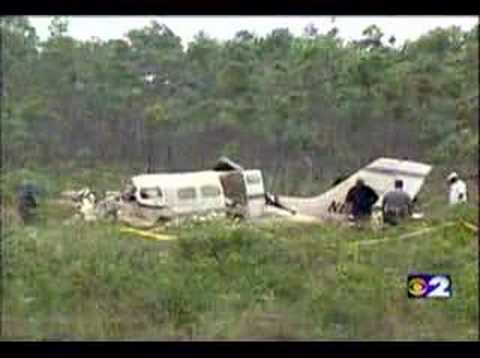 Aaliyah plane crash footage - YouTube