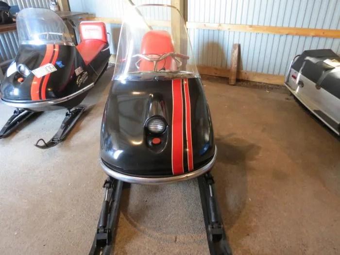 Snowmobile 1969 Scorpion Stinger