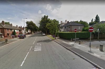Man dies after crash on major road into Liverpool city ...