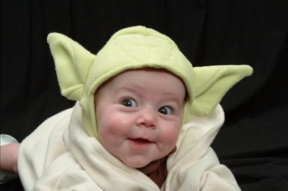 Star Wars Day  17 pictures that perfectly capture what it s like to     Baby dressed up as Yoda