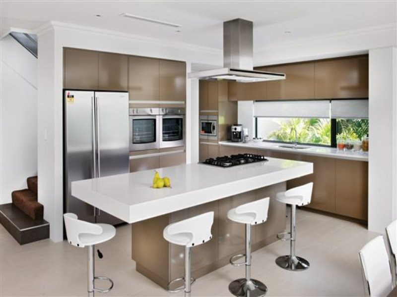 Modern Kitchen Layouts Island