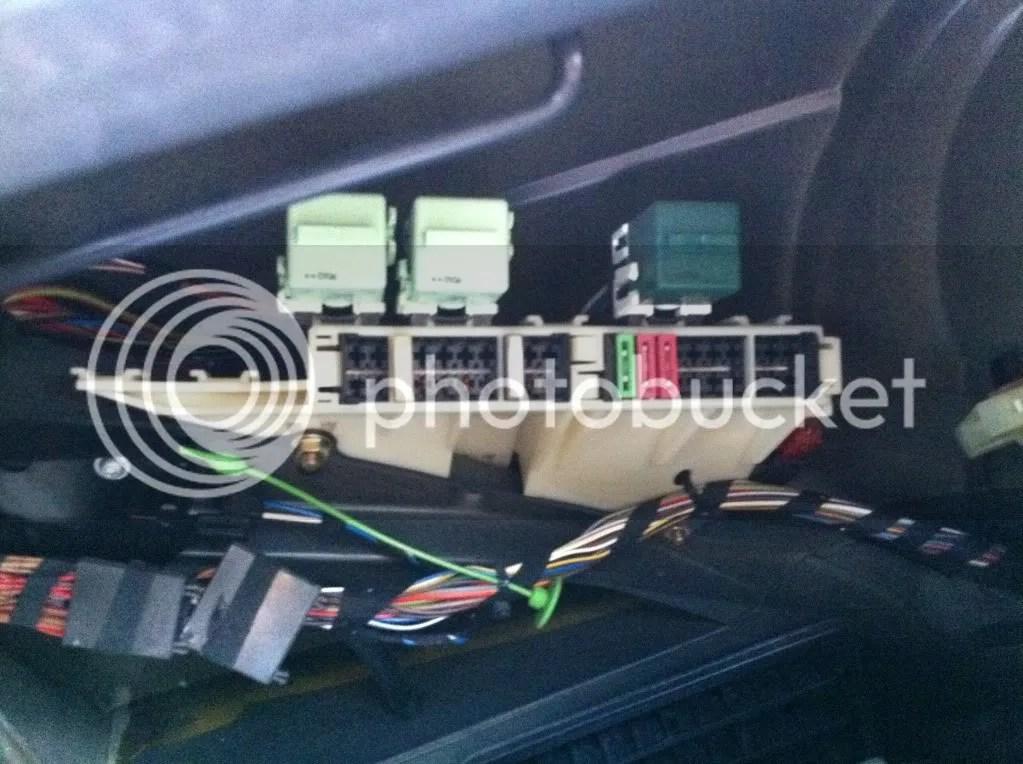 2007 Bmw X5 Fuel Pump Relay Location