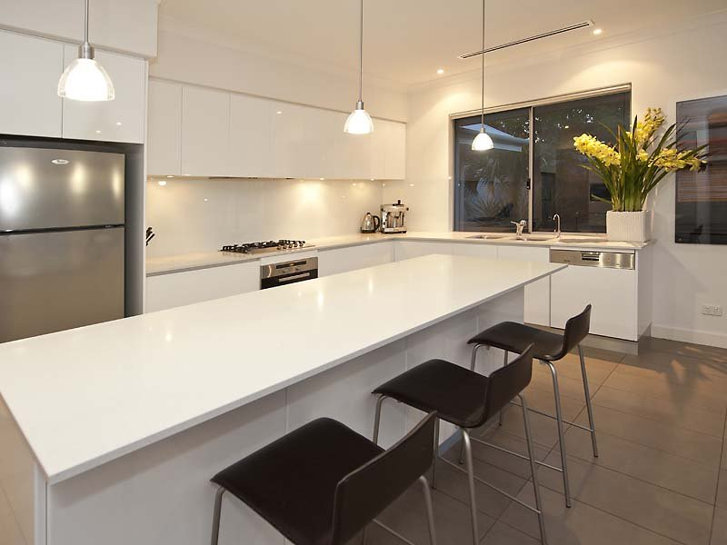 L Shape Modern Kitchen Design