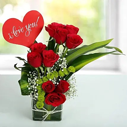 Red Roses Love Arrangement   Gift Rose Bunches   Ferns N Petals Red Roses Love Arrangement