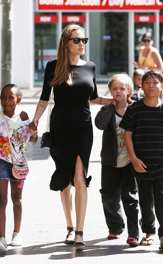 Angelina Jolie Shiloh 2013