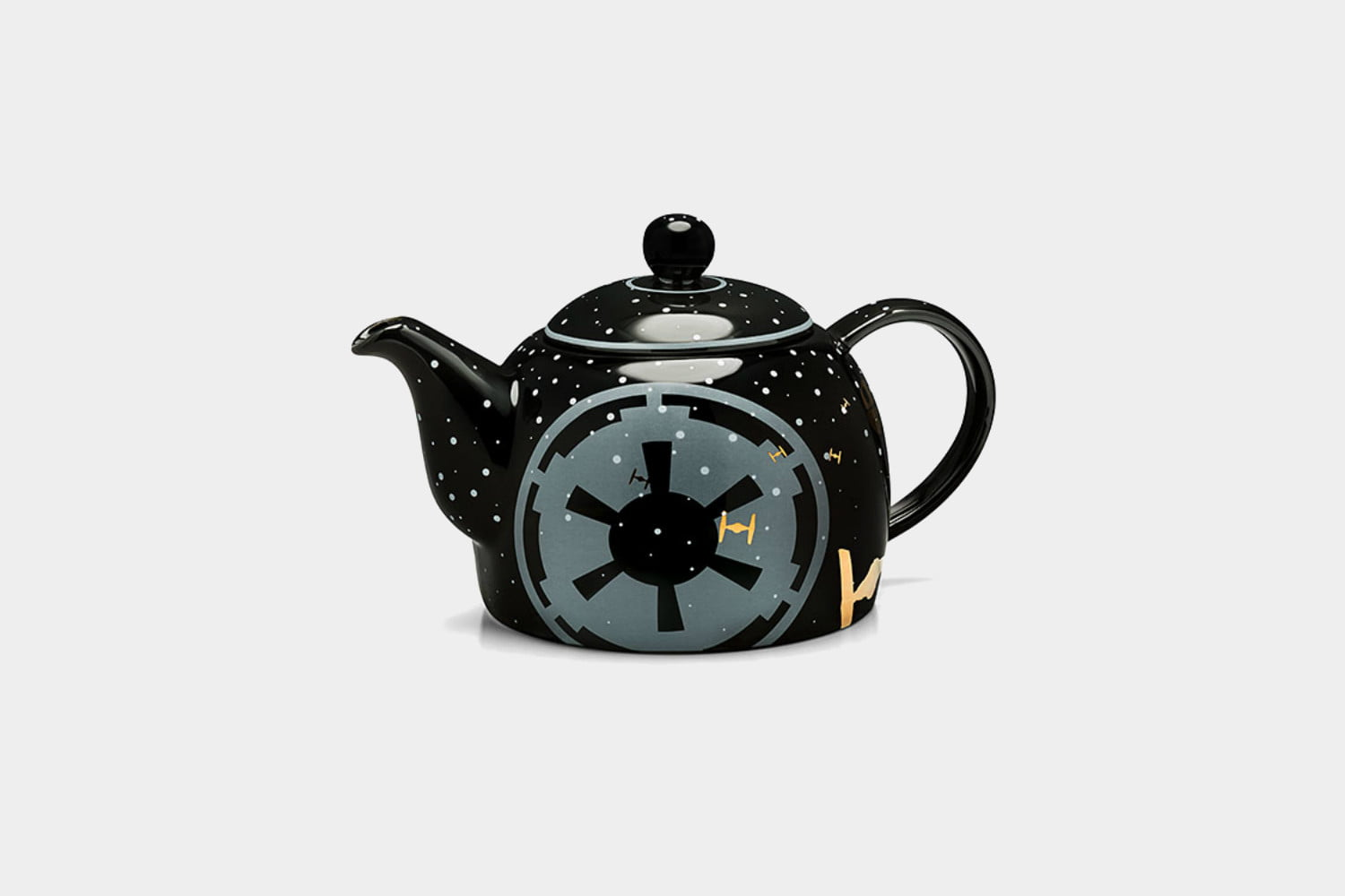 Check Out the Most Amazing Star Wars Home Decor on This Planet     best star wars home decor merchandise merch teapot