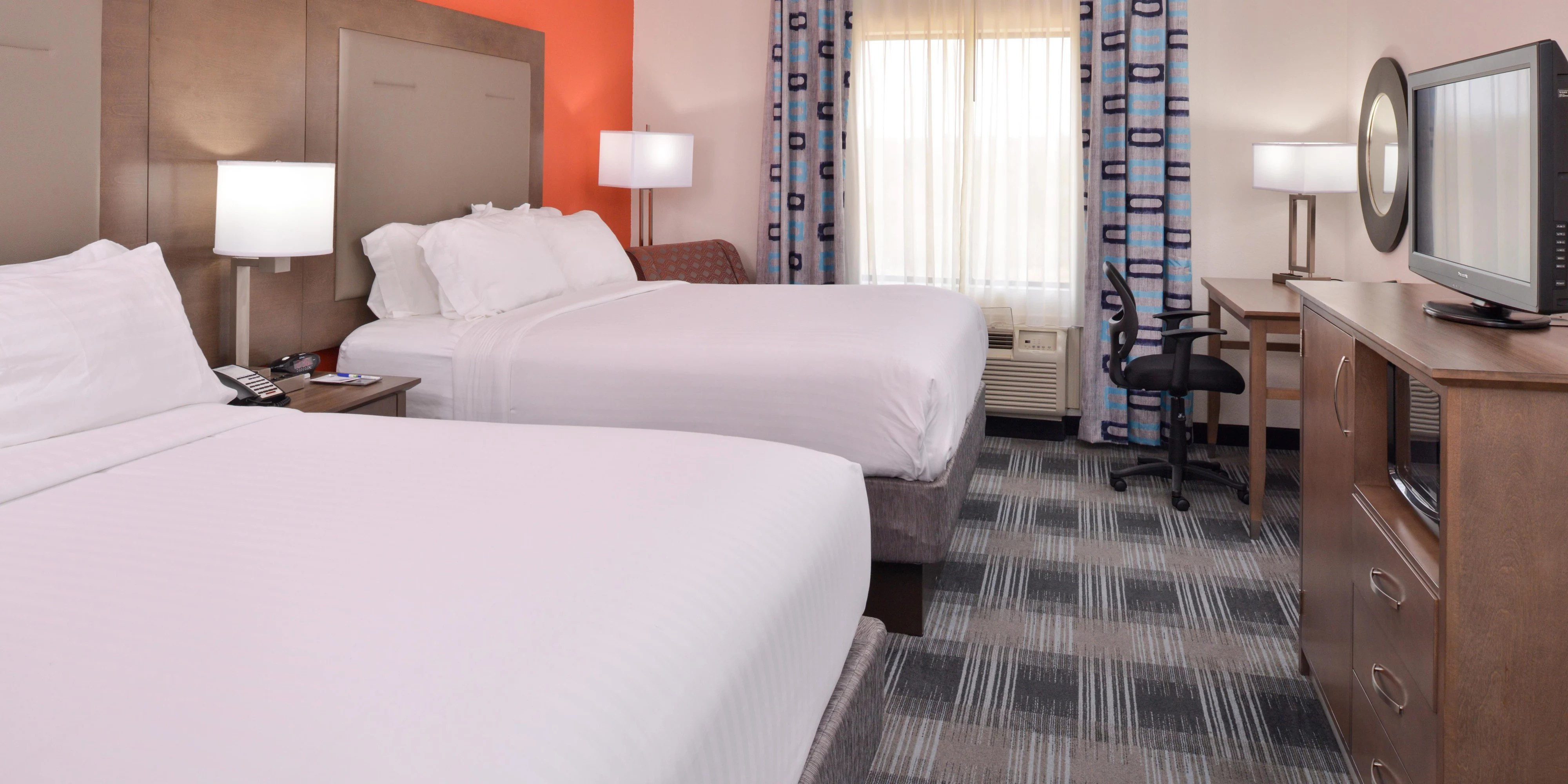 Holiday Inn Express Clanton Hotel by IHG holiday inn express clanton 5142676786 2x1