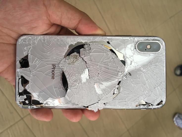 сынған iPhone