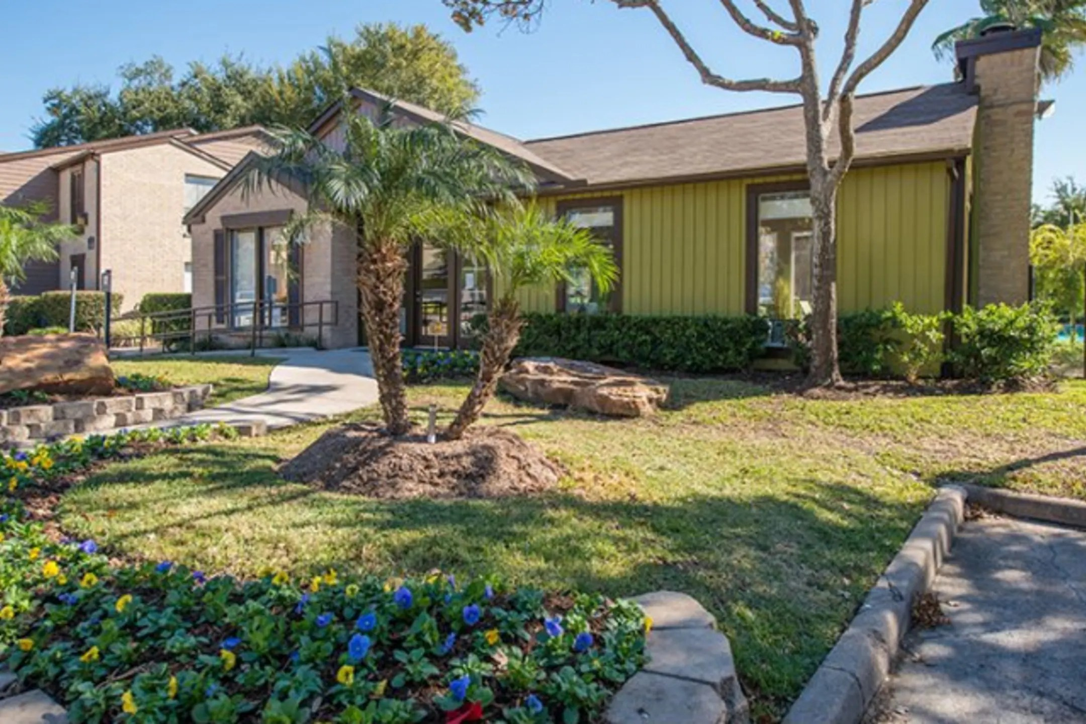 The Hudson at Westchase Apartments - Houston, TX 77082