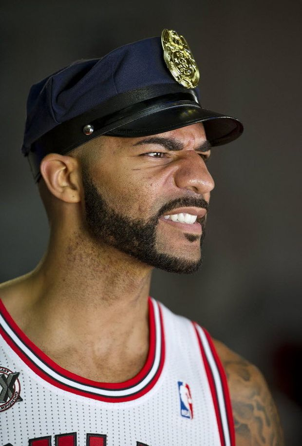Carlos Boozer S Injury Story Being Investigated By His New