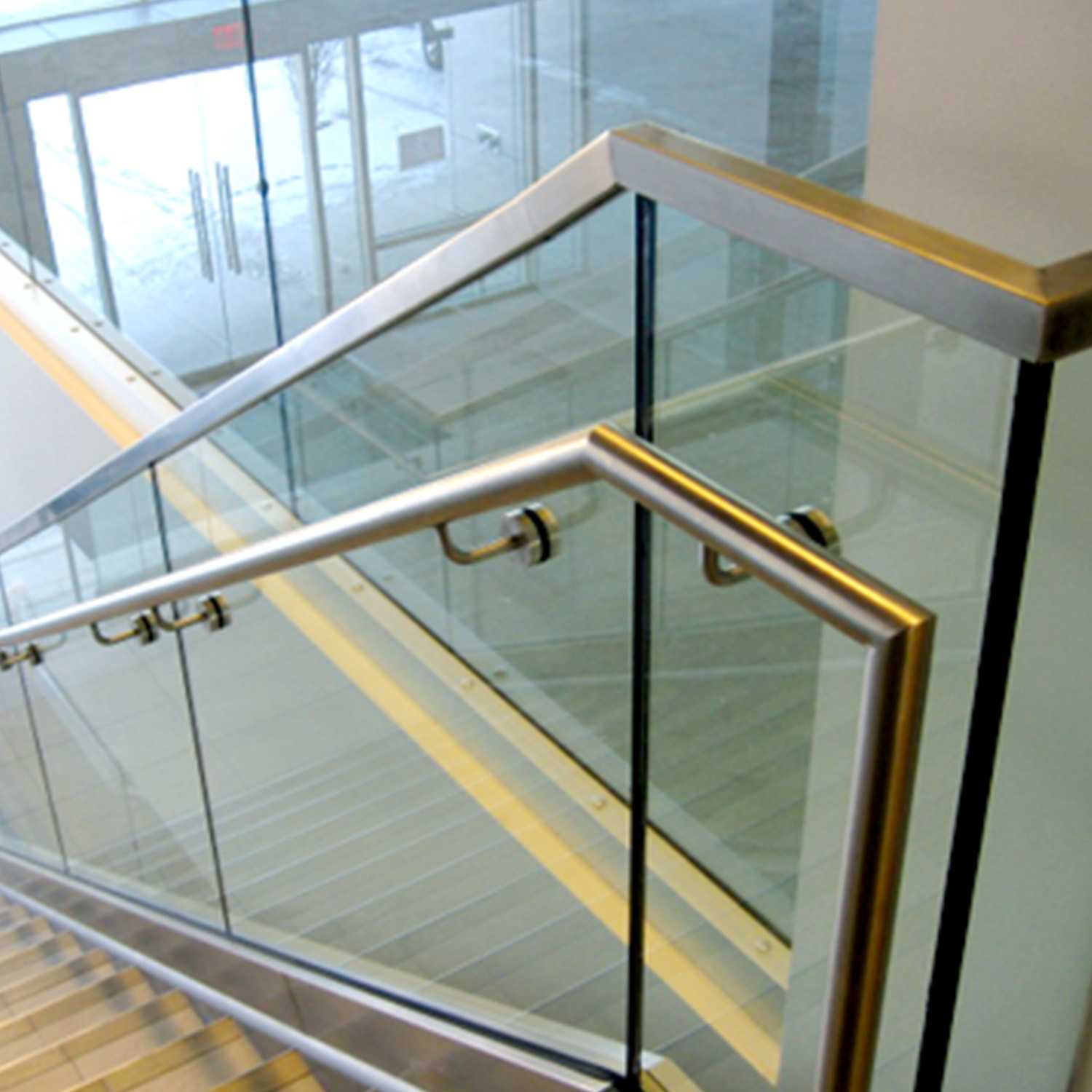 China Frameless Stainless Steel Glass Stair Handrail China Glass   Stainless Steel Glass Staircase   House   Ultra Modern   Curved   Mirror   Design