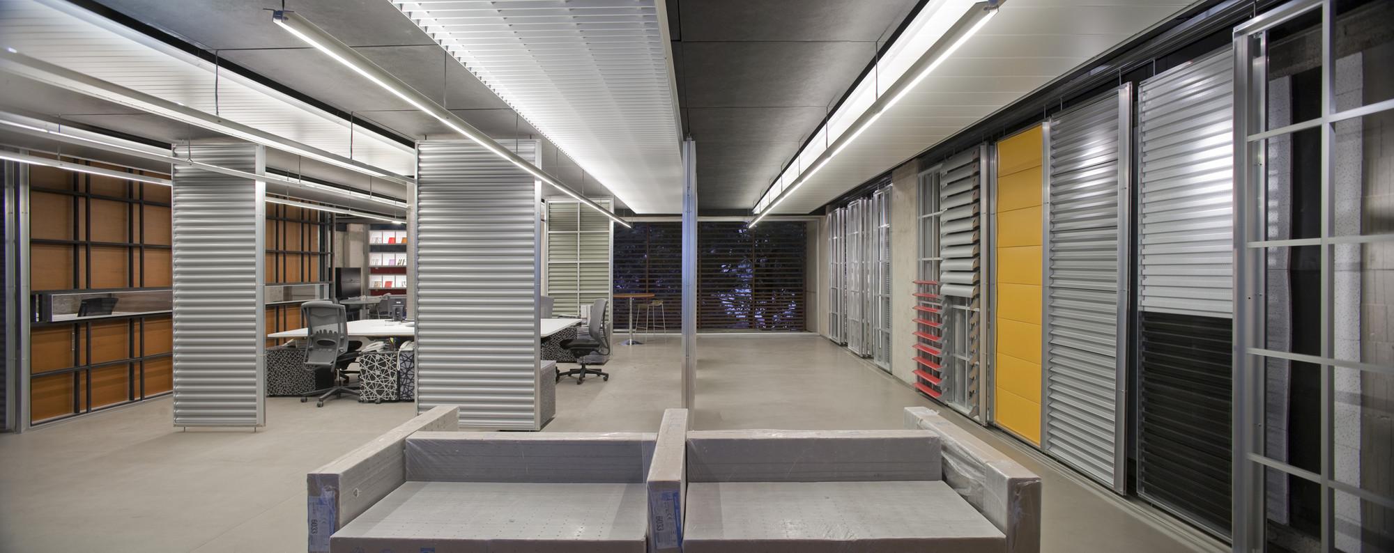 Showroom Hunter Douglas Serrano Monjaraz Arquitectos