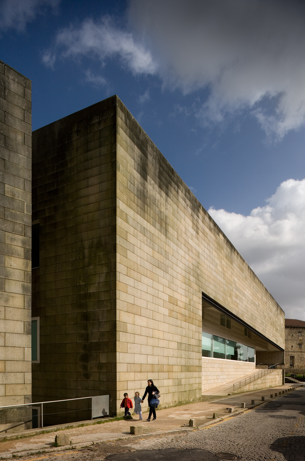 Gallery Of Alvaro Siza S Galician Center Of Contemporary