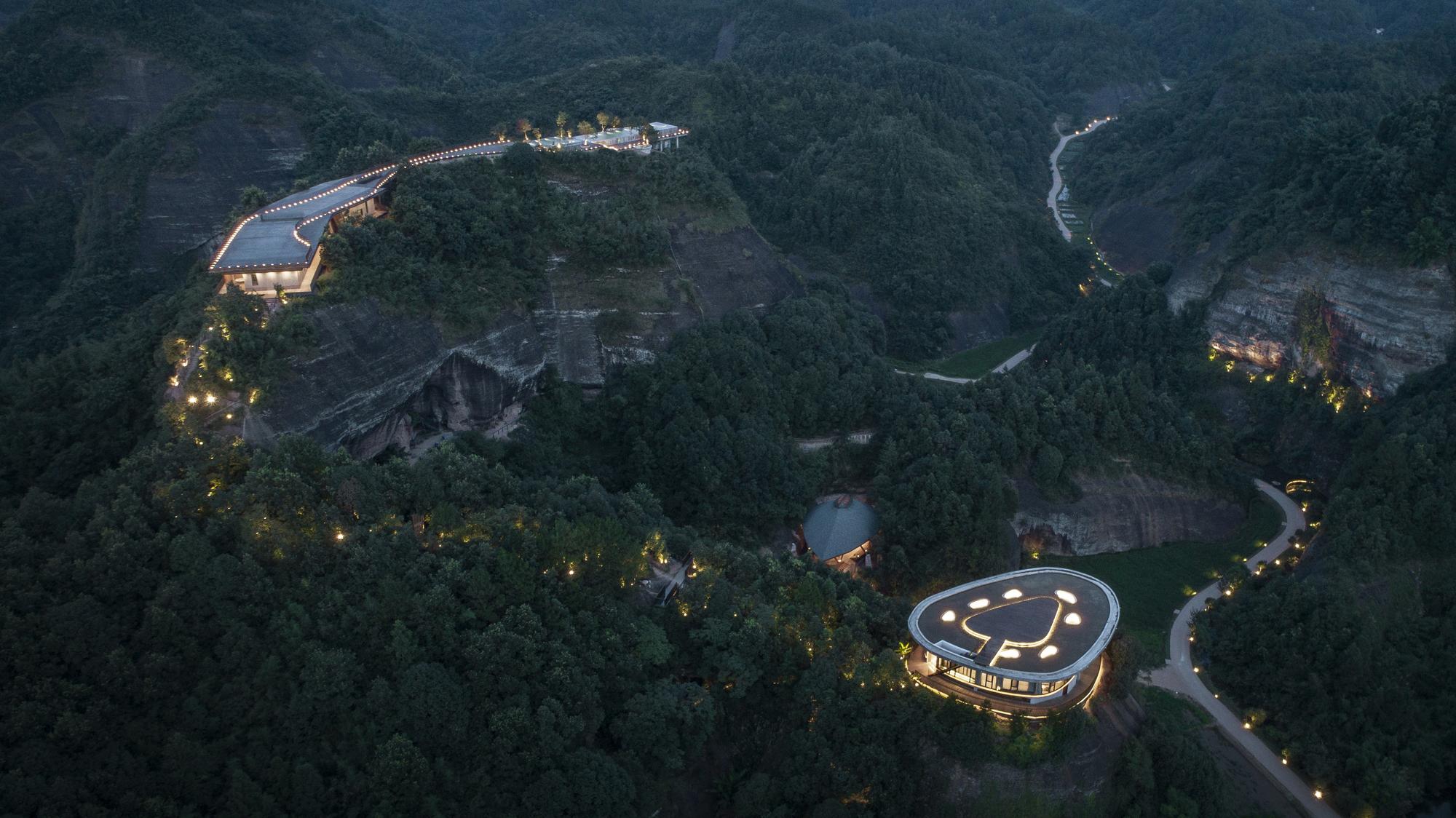 Gallery Of Pingjiang Homey Wild Luxury Hotel Duoxiangjie