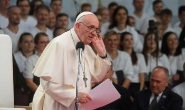 """Papa Francesco: """"la Croce non è una bandiera o un simbolo politico"""""""