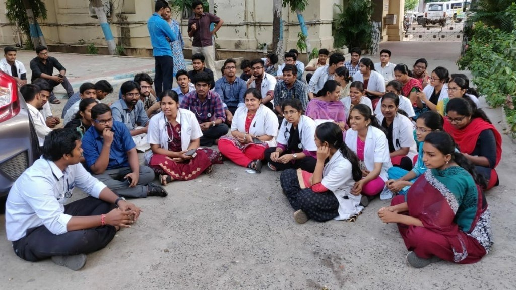 Doctors Stage Protest In Chennai After Assault By Patient