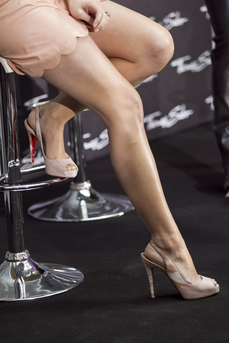23 Sexiest Celebrity Legs And Feet