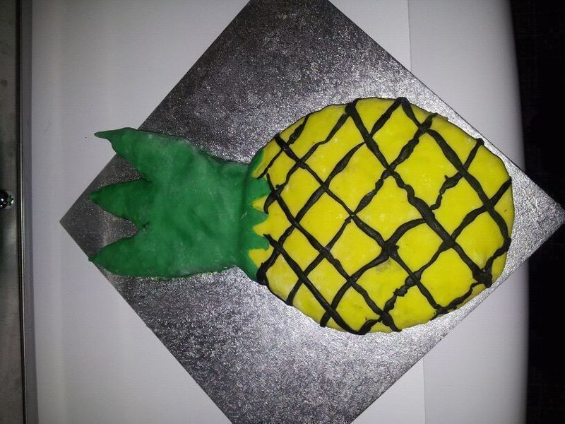 Pineapple Cake And Icing