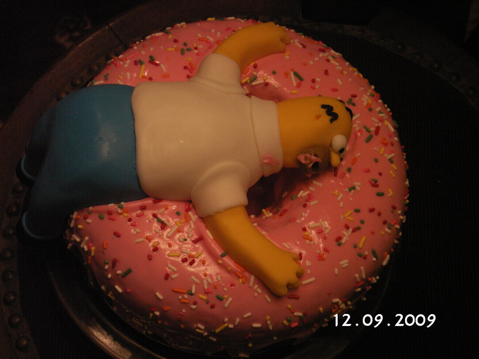 Homer And Giant Pink Donut Cake 183 A Cartoon Cake